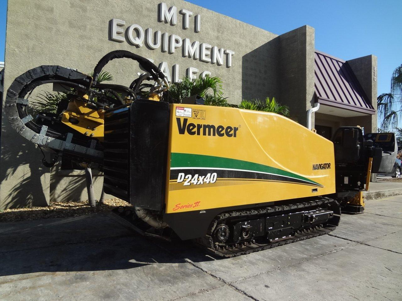 This directional boring machine from Garner Equipment has approximately 500 feet of drill stem.