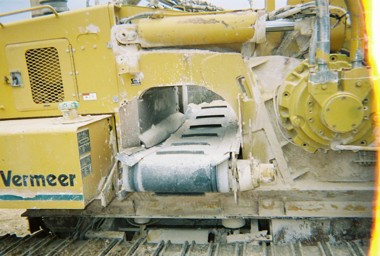 This Vermeer trencher from Garner Equipment has hydraulic burm scraper and hydraulic crumber.