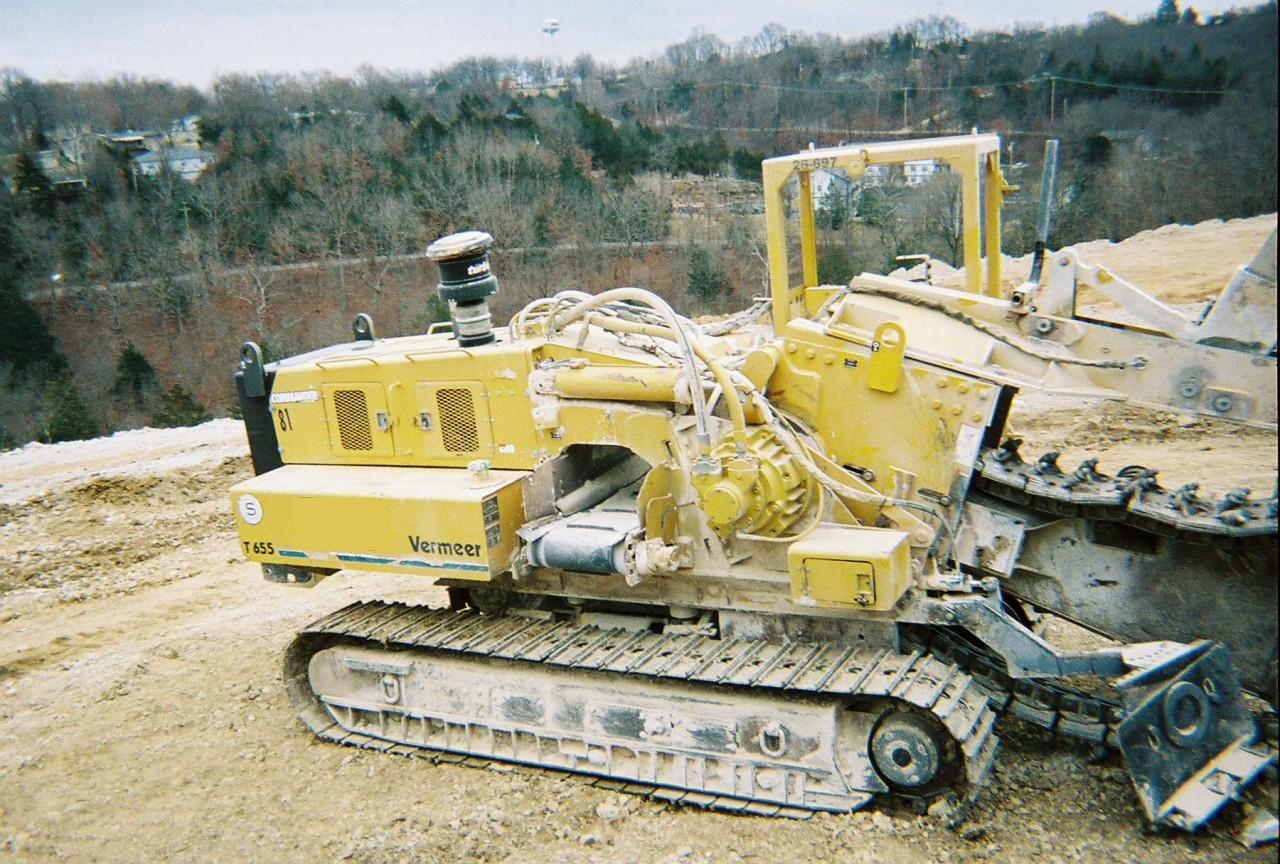 This Vermeer trencher from garner equipment has frame tilt and a 5501 chain.
