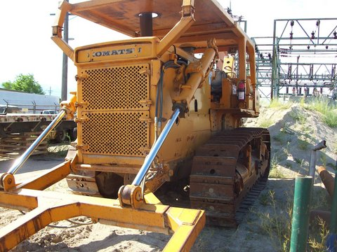 1979 Komatsu D-155A with Linc Plow, Double Reel carrier, Undercarriage 75%+.